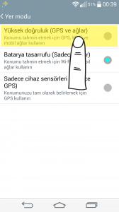 """""""Yüksek doğruluk"""" seçeneği konumunuzu almak için GPS, varsa kablosuz internet bağlantısını ve mobil ağları kullanır. Varsa wifi'yı kullanarak yoksa mobil ağları (telefonunuzun interneti) kullanarak konumunuzu sunucuya yollar. En iyi sonucu verir, ama pil tüketimini artırır."""